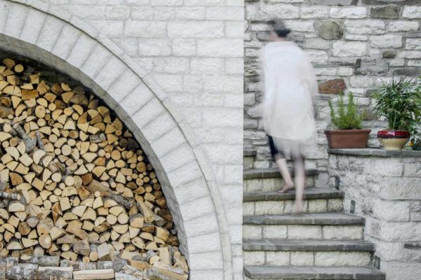 Ξύλα, προμήθειες για το χειμώνα | Κοινόχρηστοι χώροι | Ξενώνας Vera Inn, Δίλοφο, Κεντρικό Ζαγόρι