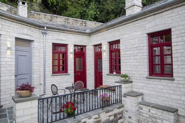 Room 5, Vera Inn Guesthouse, Dilofo, Zagorochoria, Greece