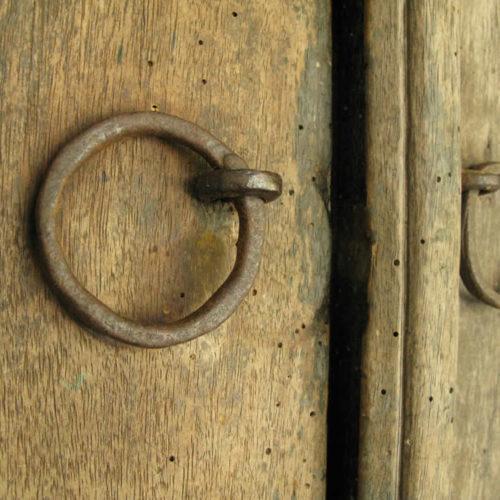 Παλιά πόρτα στο Ζαγόρι